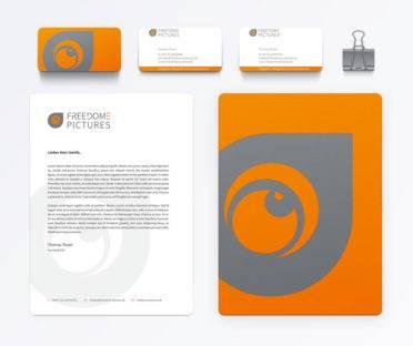Corporate design (Logo, Visistenkarten, Briefpapier) für Fotograf und Videograf Freedome Pictures