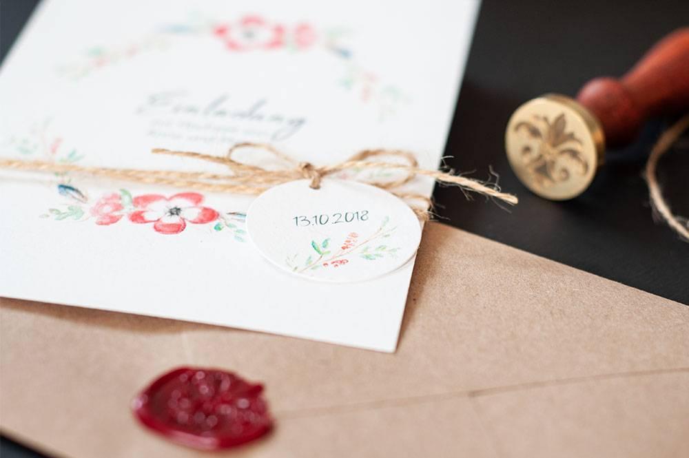 Hochzeitseinladungen Boho/Vintage mit Blumenkranz mit Wachssiegel